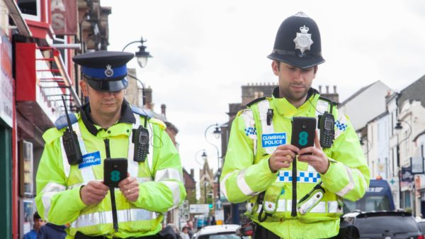 Cumbria Constabulary with Samsung Smartphones - image courtesy of EE